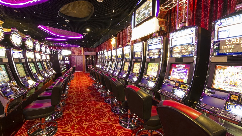 Those who are planning to play the casino games must develop those skills before they start to play the casino games.